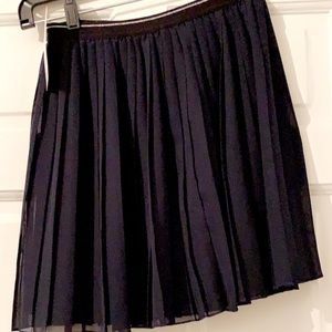 UNIQLO  Girl Easy On Navy Pleated Skirt